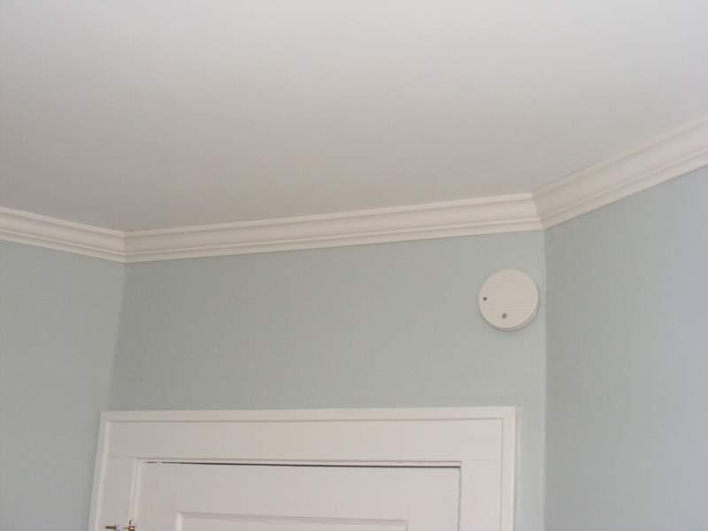 Bedroom molding